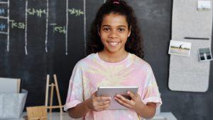 Digitale geletterdheid versneld invoeren, stelt ECP